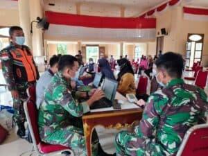 RSAU Lanud Raden Sadjad Vaksinasi Ratusan Masyarakat Natuna