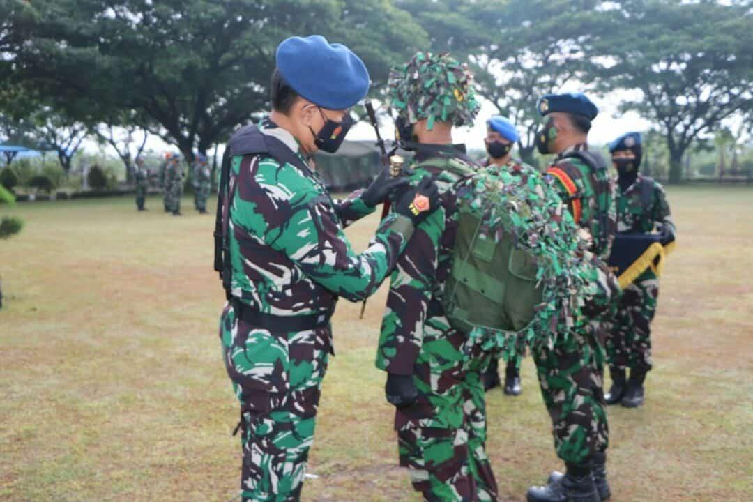 foto penyematan tanda pita latihan Latganda setukpa A 25