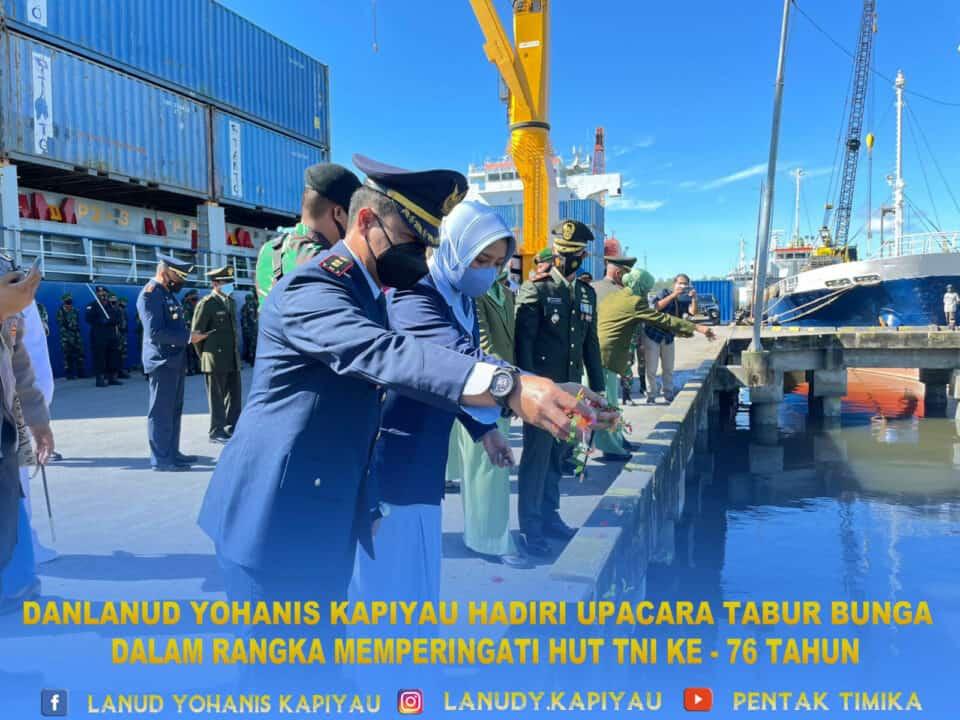 TABUR BUNGA HUT TNI 76